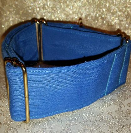 collar martingale hecho a mano color azul